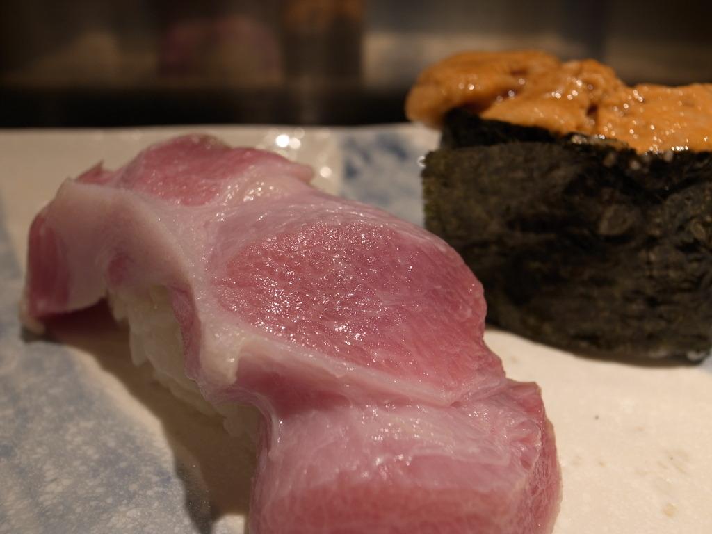 sushi 大トロとウニ