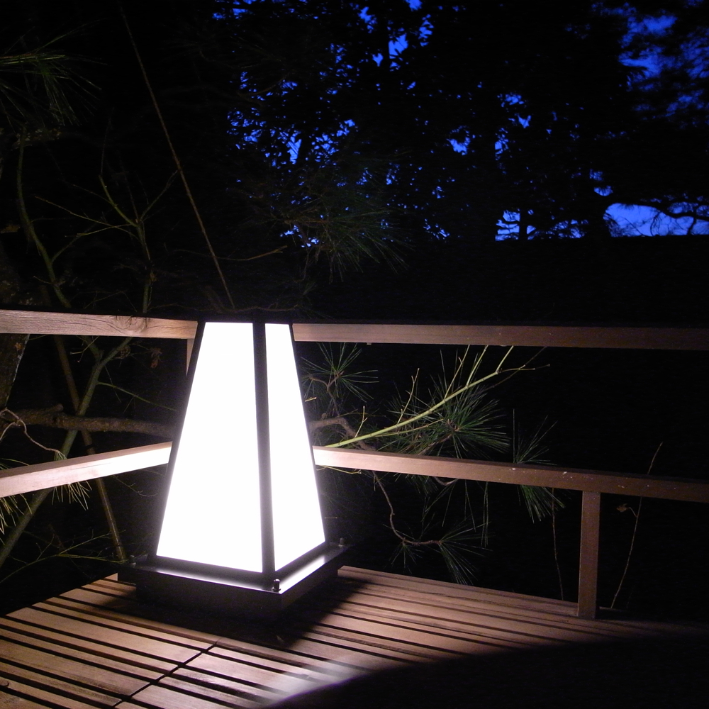 庭先の行灯