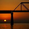 赤く染まる鉄橋