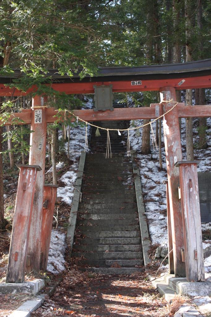 高房神社(湯西川)