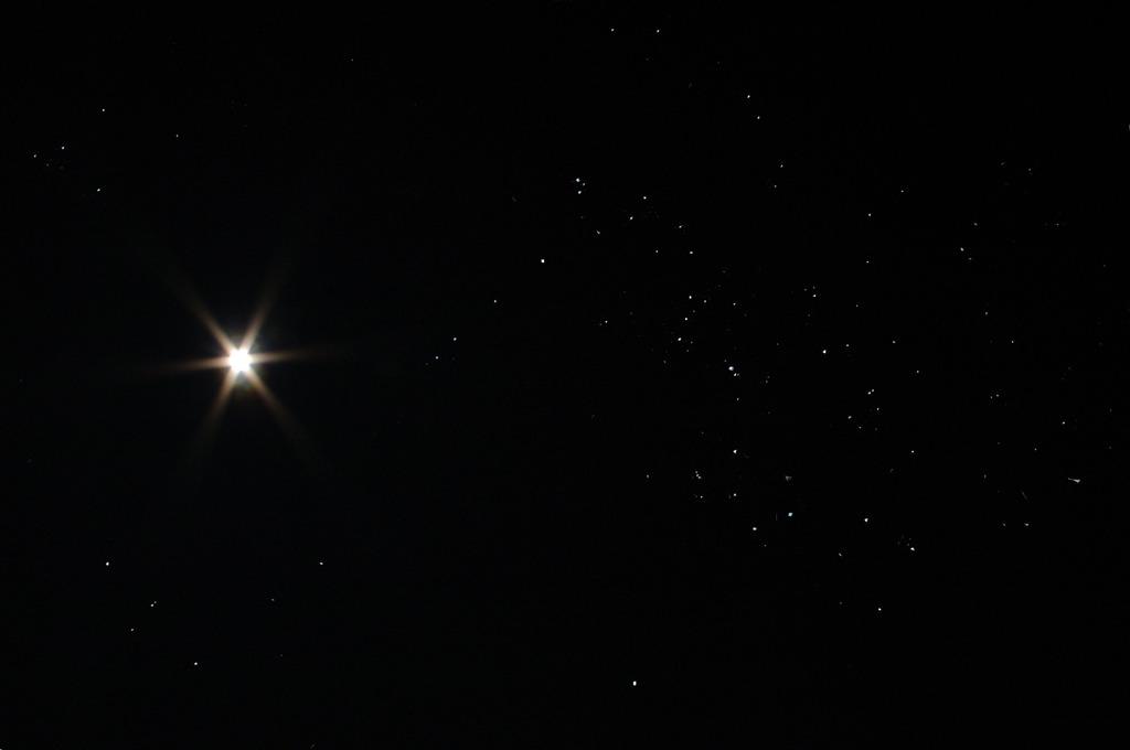 冬の星座と月