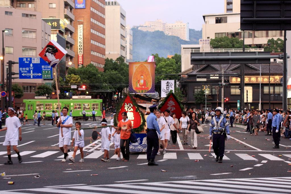 日本の夏 ~長崎 精霊流し~