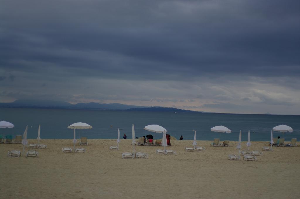 季節はずれのビーチ