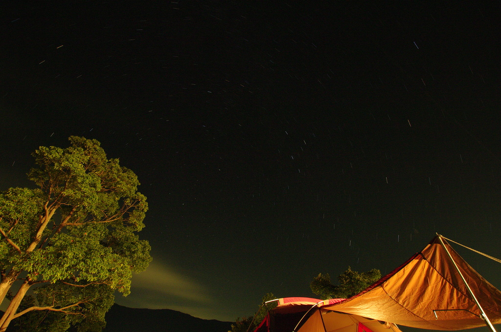 夜のキャンプ場