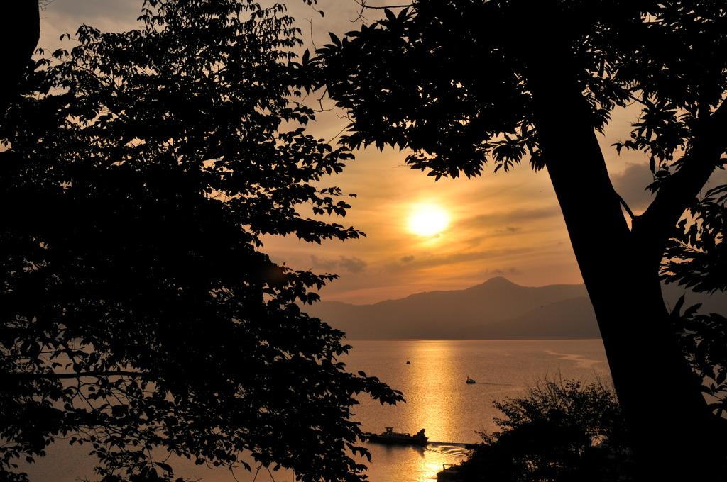 支笏湖の夕焼け