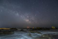 荒磯に昇る夏の銀河