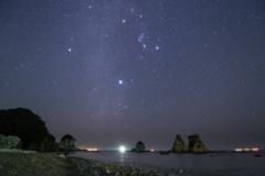 逢ヶ浜の奇岩と星空