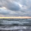冬の海と対峙する