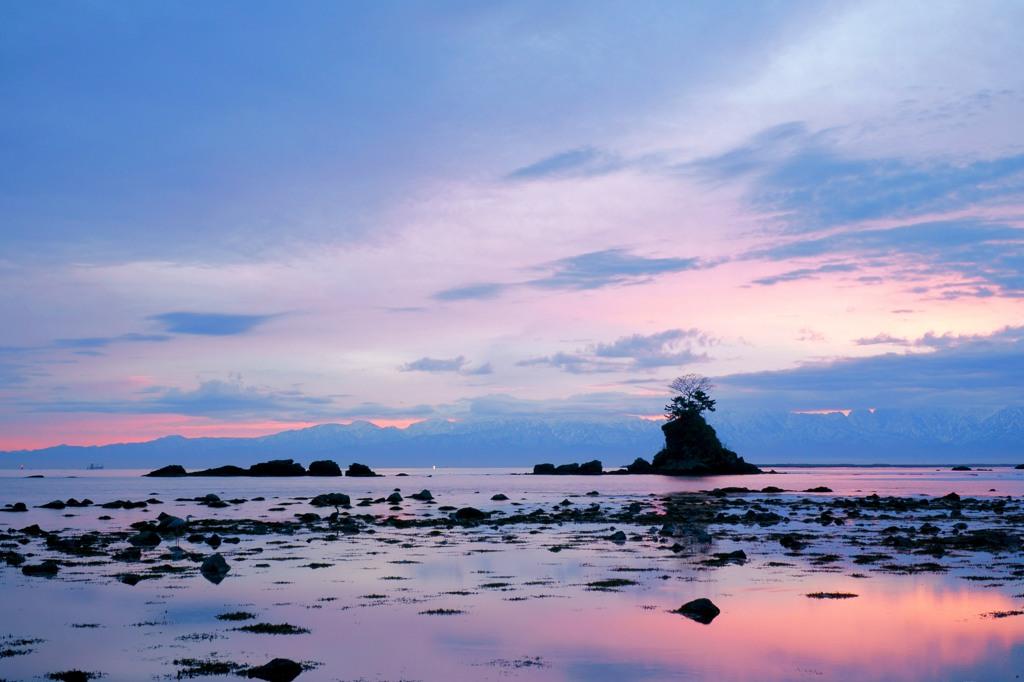 朝焼けの海岸