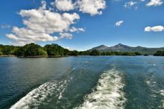 檜原湖船上の眺め
