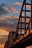 染まる水管橋