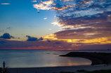 夕暮れの渚