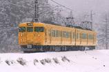 雪のキハ115