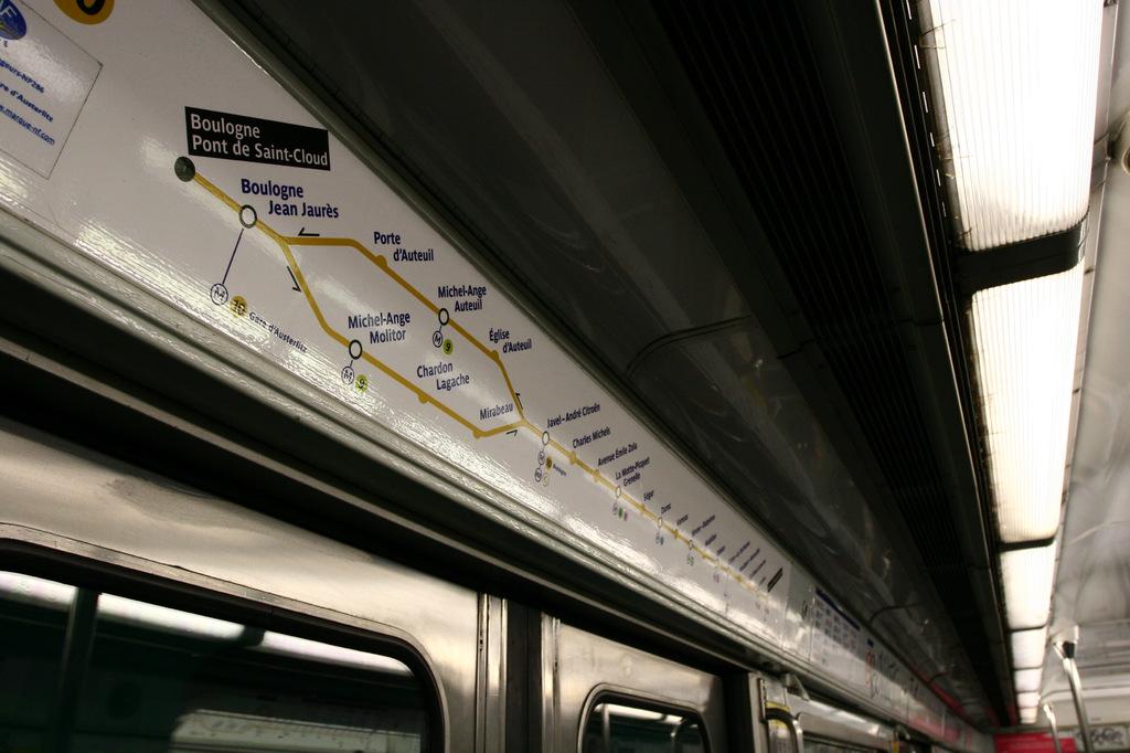 Métro Ligne 10, Paris, FR