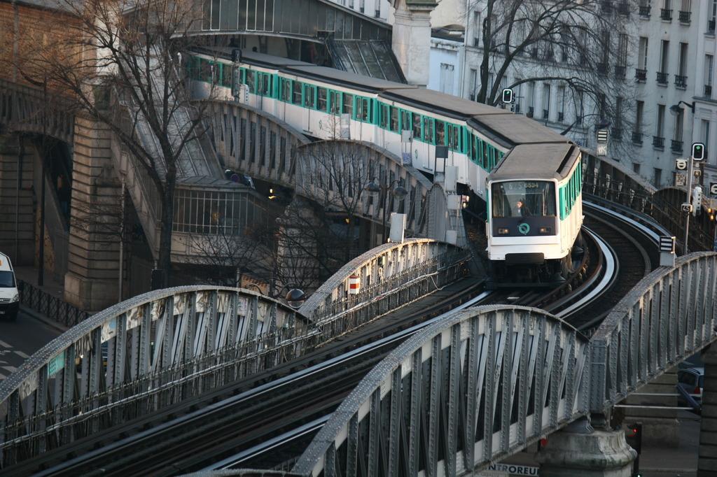 Métro Ligne 6, Paris, FR