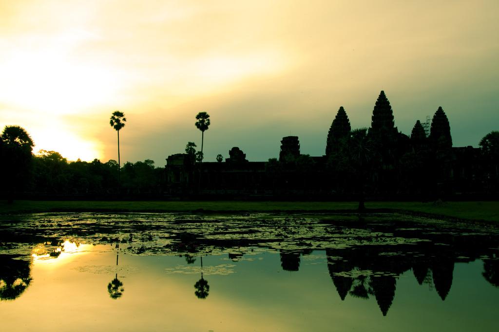 Angkor Watの夜明け