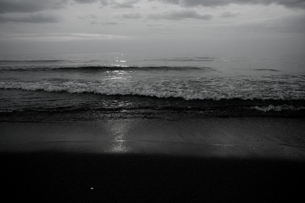 海に写った光
