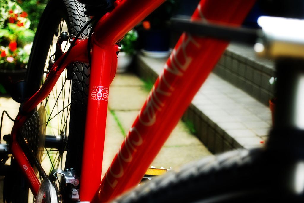 真っ赤な自転車