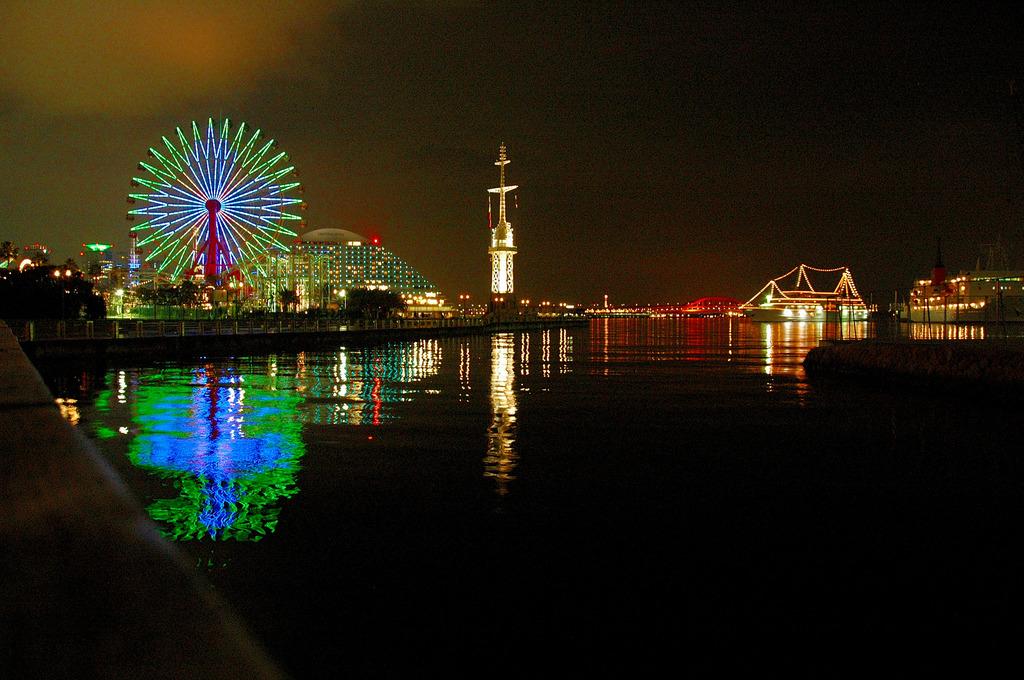 神戸の夜の港