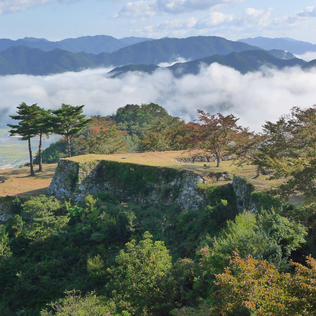 雲海に浮かぶ  兵庫・竹田城