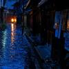 雨の下町(鞆の浦)