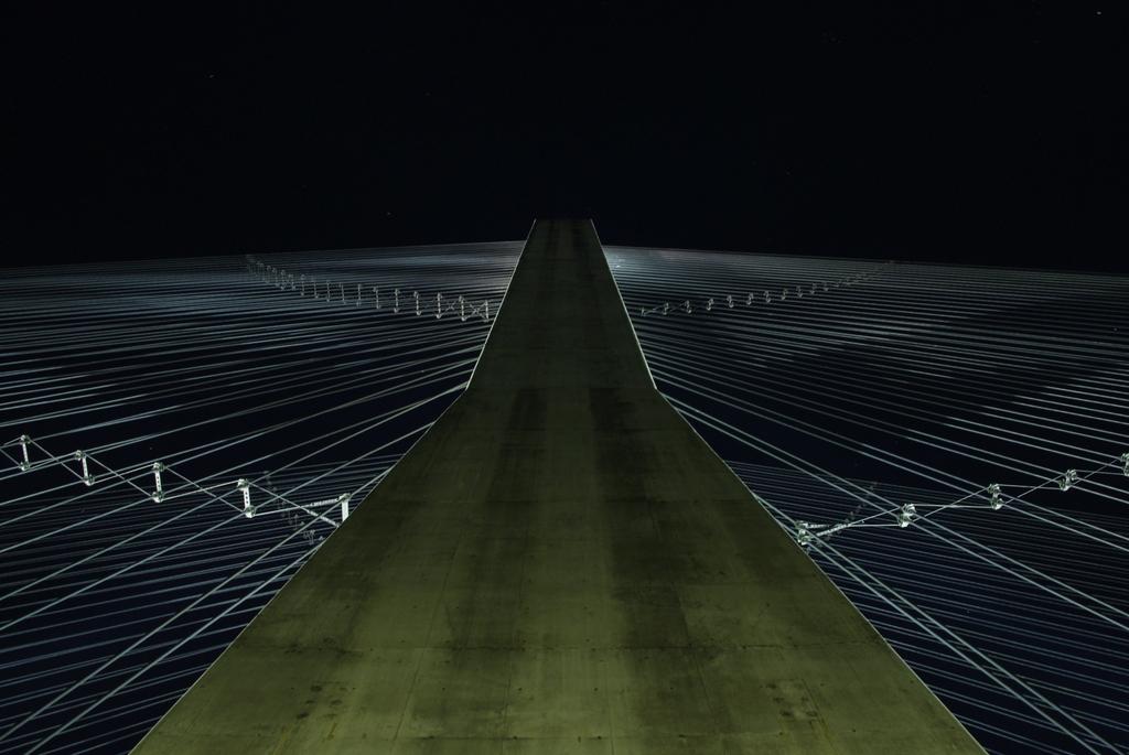 秩父公園橋 ハープの弦2