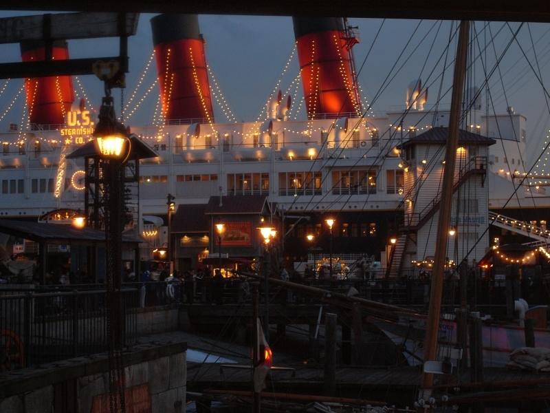 港・夕暮れ