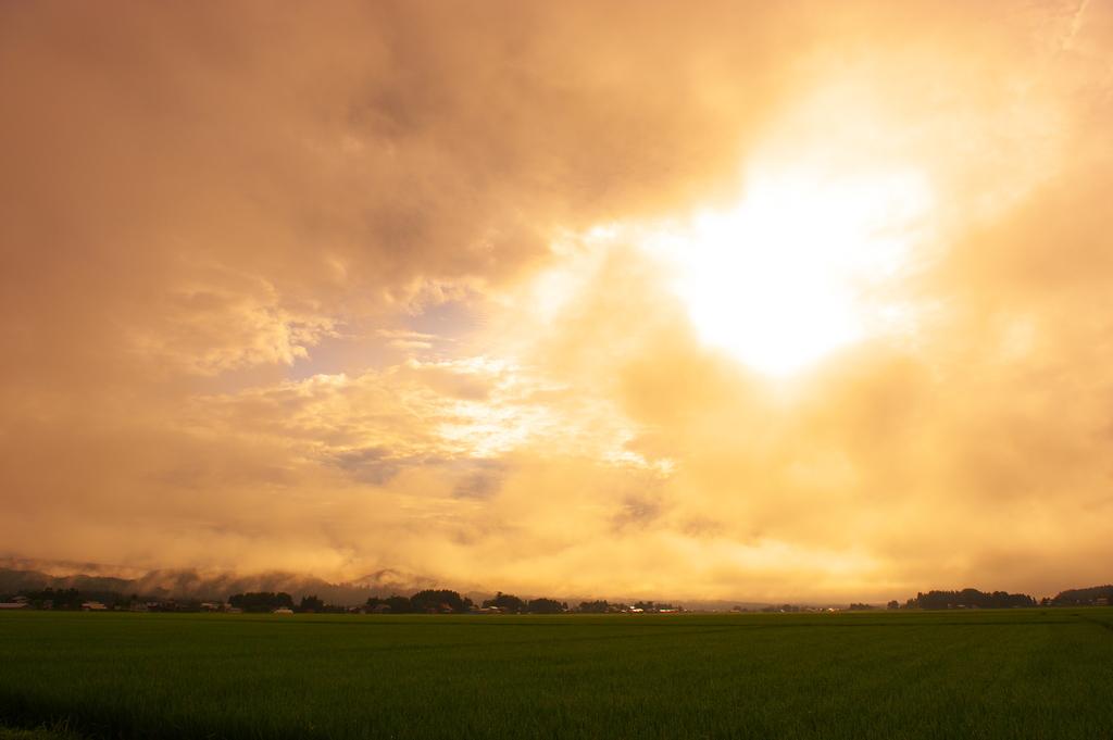 雲沸き立つ里