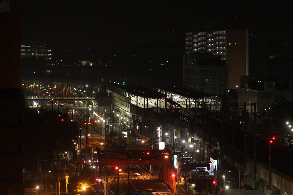 深夜の駅(ニコンレンズ)