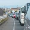 090428-175108 大野大橋東詰め渋滞サイドミラーで