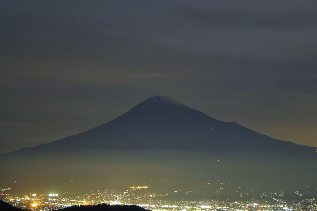 夜の富士山周辺