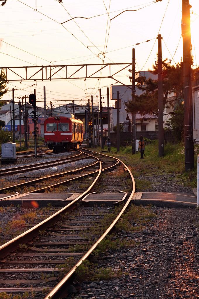 夕暮れ時のローカル線