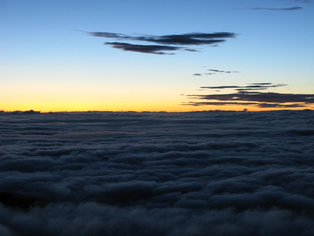 北アルプス燕岳山頂から 夏の朝④