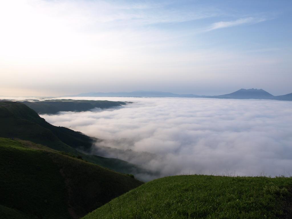 雲の大海を臨む