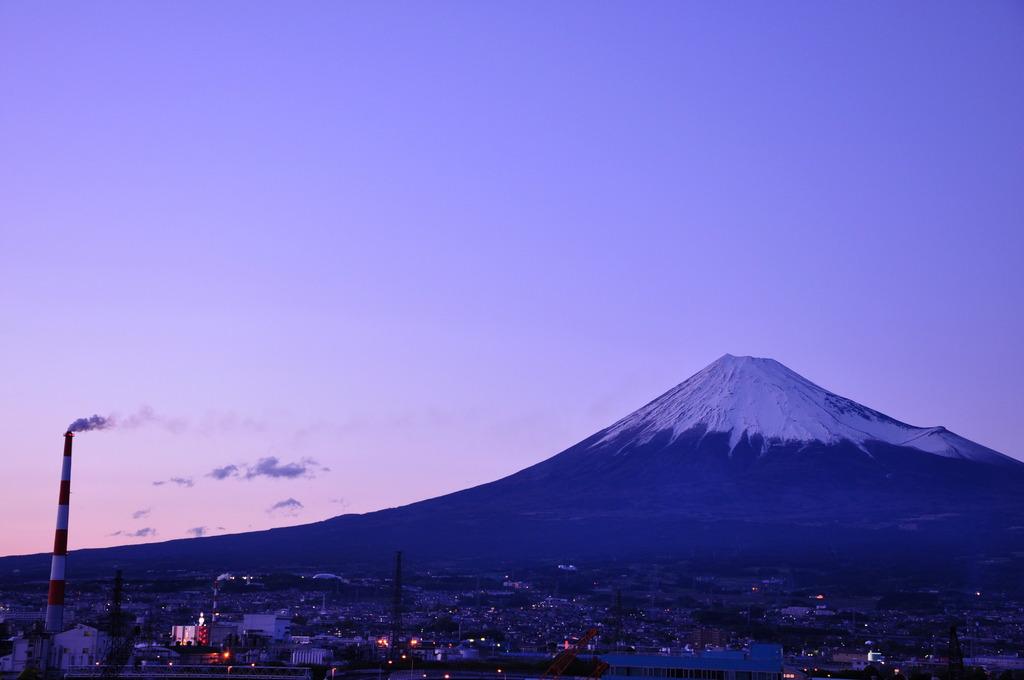 雄大な富士