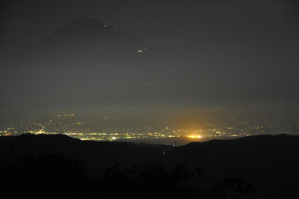 浜石岳より富士を見つめて・・