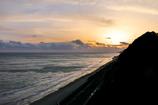 表浜に沈みゆく夕日