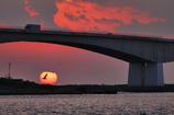 浜名大橋に沈む日