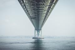 霞の中の明石海峡大橋その2(淡路島観光より)