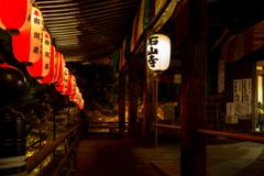 秋夜の本堂前(石山寺より)