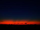 日の出前の光芒