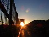 夕陽を追って
