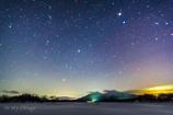 雪原の檜原湖星景