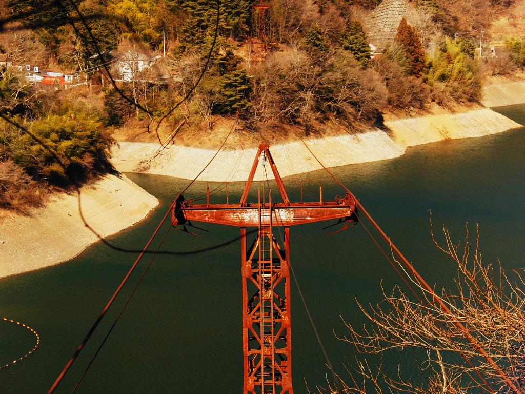 かつて鉄塔だった物