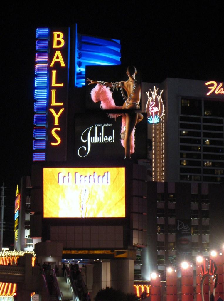 BALLYS Hotelの広告塔