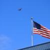 星条旗と複葉機