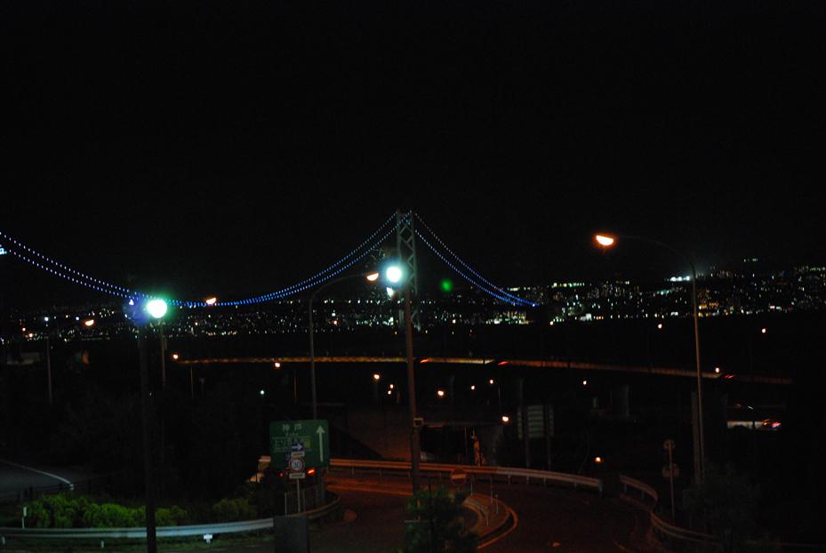 夜の明石海峡大橋