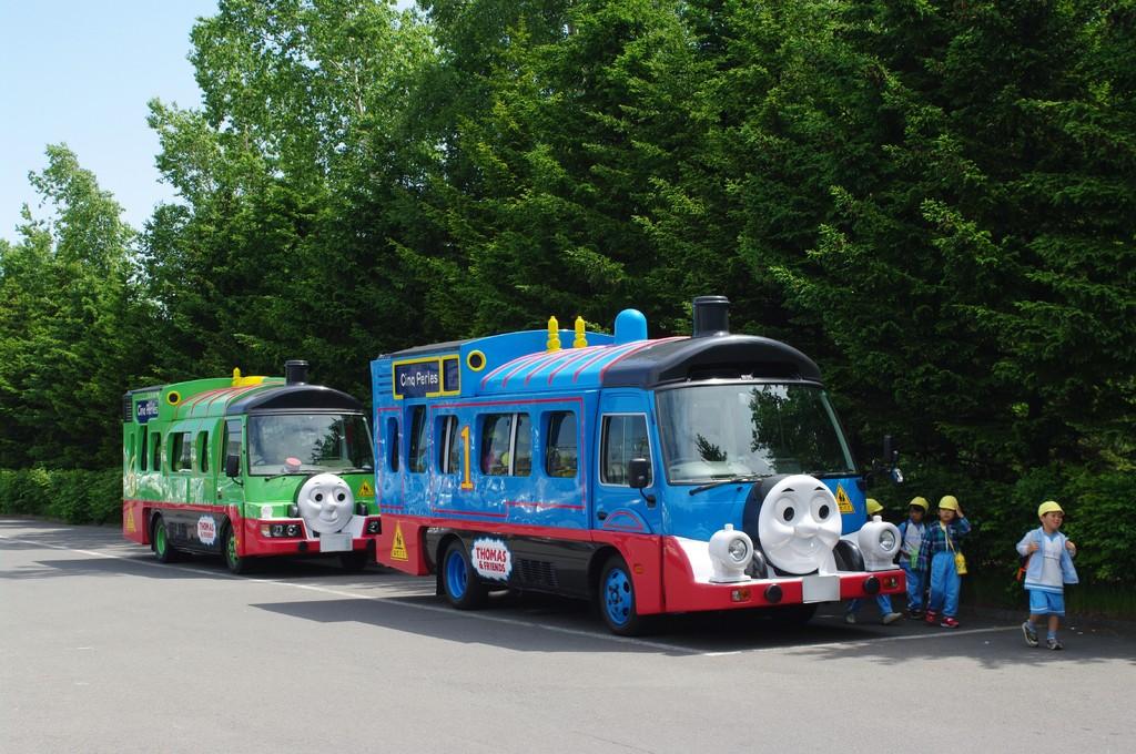 機関車トーマスバス
