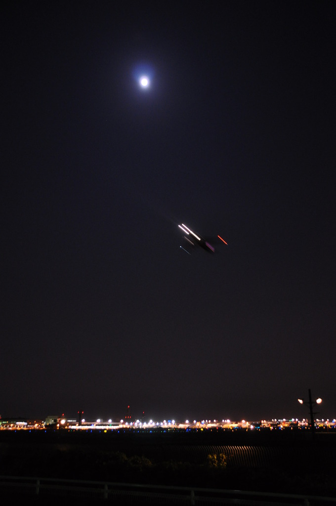 夜間飛行へ