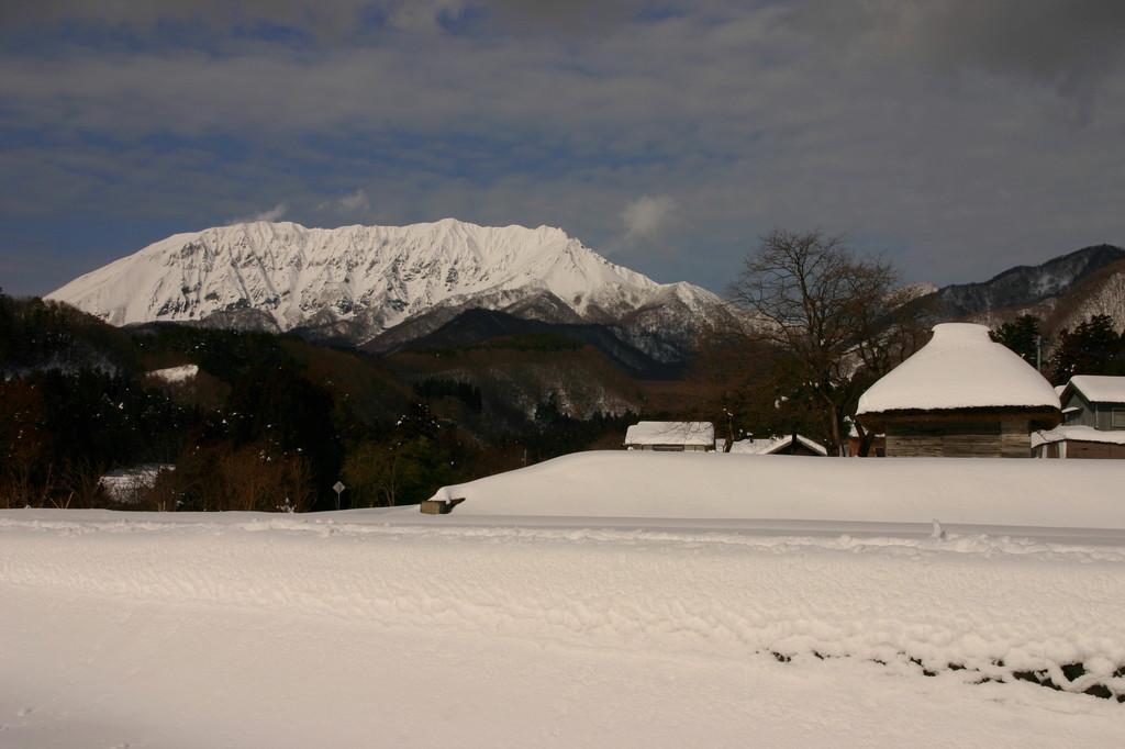 小屋と大山